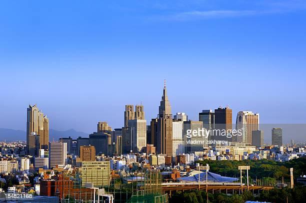 tokyo, skyscrapers of sunjuku - shinjuku stockfoto's en -beelden