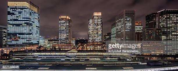 tokyo station panoramic - 丸の内 ストックフォトと画像