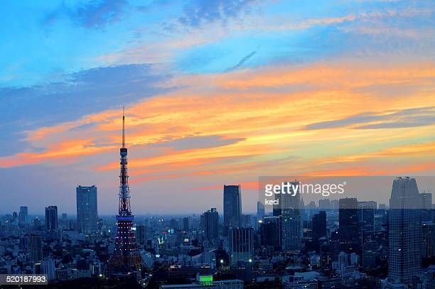 tokyo tower - ロマンチックな空 ストックフォトと画像