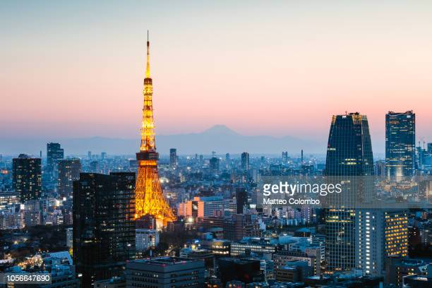 tokyo tower with mt. fuji, tokyo, japan - roppongi hills stock pictures, royalty-free photos & images