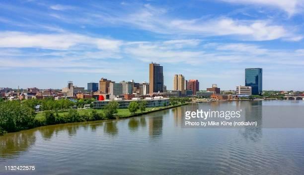 toledo ohio from the west - toledo ohio stock pictures, royalty-free photos & images