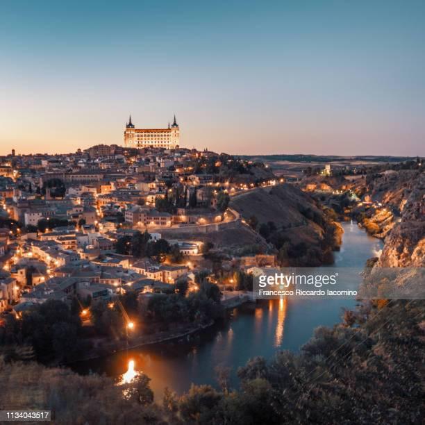 toledo, scenic view of the city at sunset - francesco riccardo iacomino spain foto e immagini stock