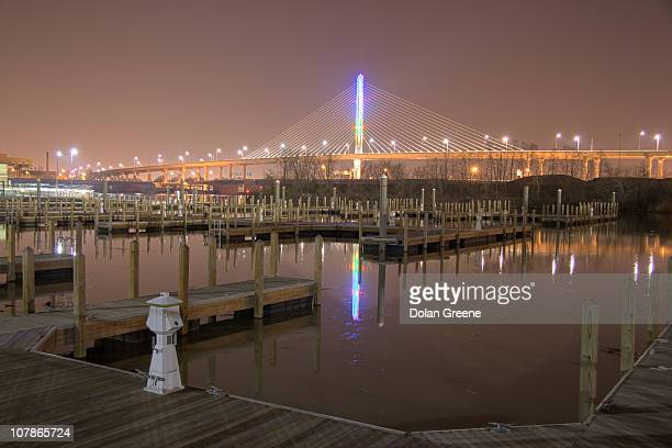 toledo veterans' glass city skyway bridge - トレド ストックフォトと画像