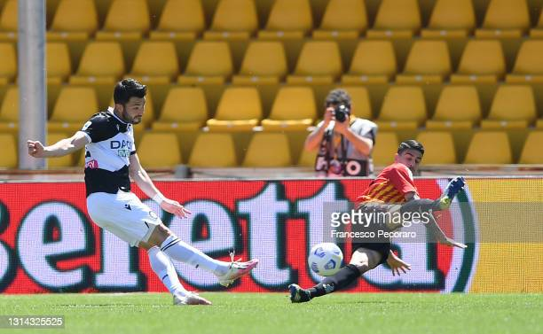 Tolgay Arslan of Udinese Calcio scores their side's second goal during the Serie A match between Benevento Calcio and Udinese Calcio at Stadio Ciro...