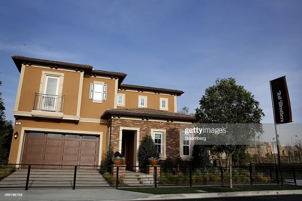 A Toll Brother Housing Development Ahead Of Earnings Figures : ニュース写真