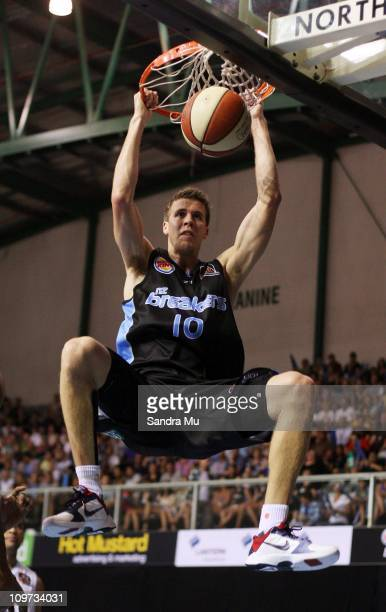 Tom Abercrombie of the Breakers dunks during the round 21 NBL match between the New Zealand Breakers and the Townsville Crocodiles at North Shore...