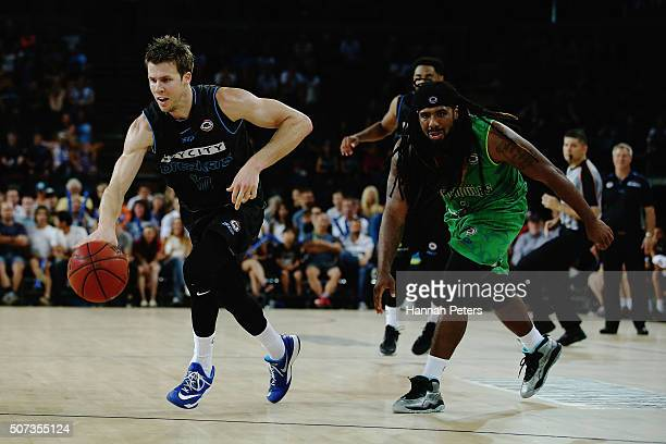 Tom Abercrombie of the Breakers makes a break during the Round 17 NBL match between the New Zealand Breakers and Townsville Crocodiles at Vector...