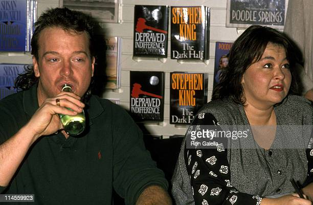Tom Arnold and Roseanne during Roseanne Signs Her New Book 'My Life As a Woman' at Brentano's Bookstore in Los Angeles November 18 1989 at Brentano's...