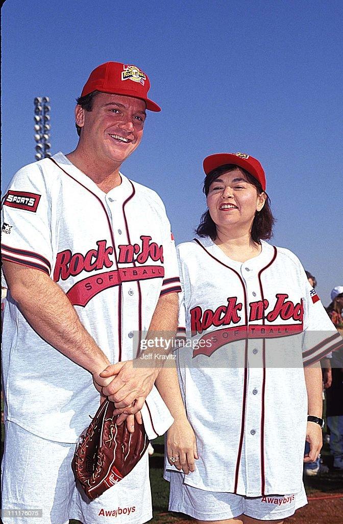 1991 MTV Rock 'n Jock Softball : News Photo