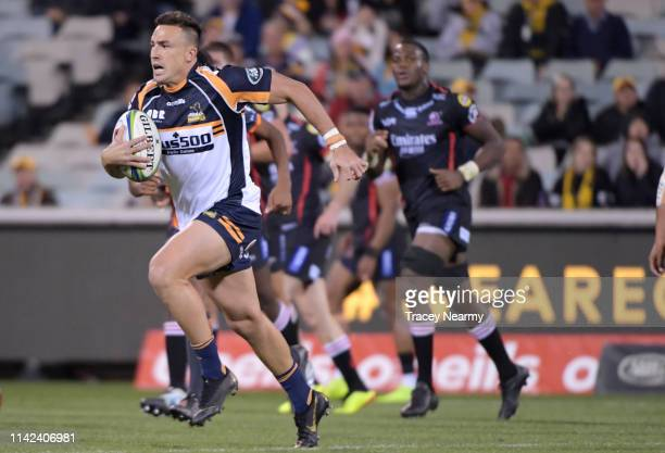 Tom Banks of the Brumbies runs with down the line during the Round 9 Canberra Brumbies and Lions Super Rugby match at GIO Stadium on April 13 2019 in...