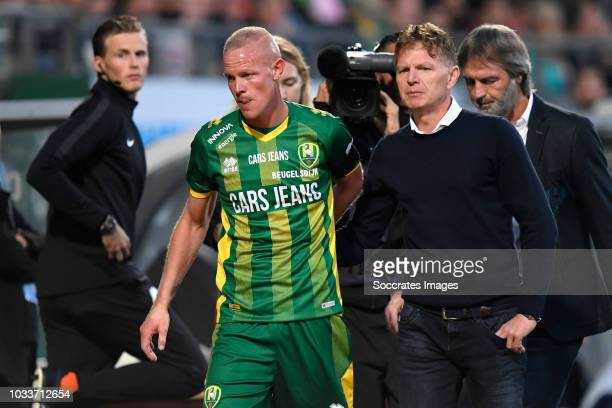 Tom Beugelsdijk of ADO Den Haag coach Alfons Groenendijk of ADO Den Haag during the Dutch Eredivisie match between ADO Den Haag v PSV at the Cars...