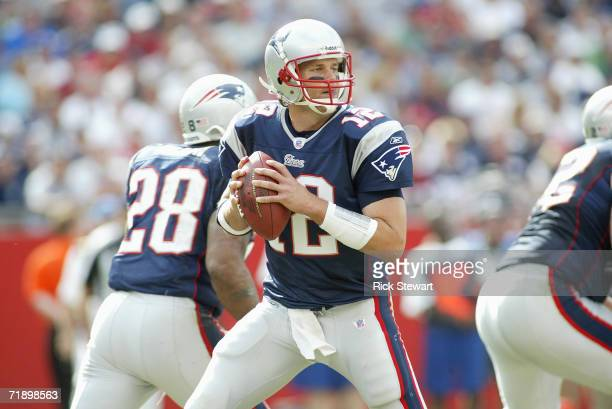 Tom Brady of the New England Patriots looks right to pass against the Buffalo Bills on September 10, 2006 at Gillette Stadium in Foxboro,...