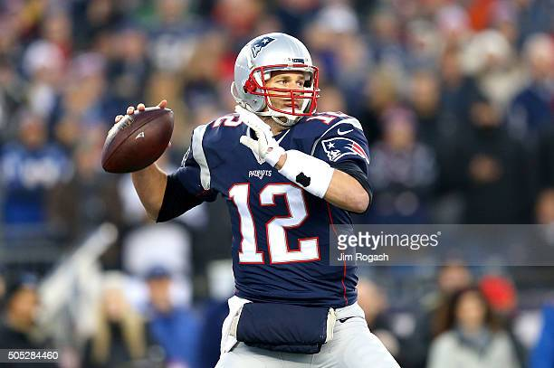 Tom Brady of the New England Patriots looks to pass in the first half against the Kansas City Chiefs during the AFC Divisional Playoff Game at...