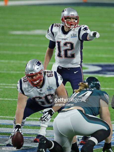 Tom Brady of the New England Patriots points out a defensive formation against the Philadelphia Eagles during Super Bowl Lll at US Bank Stadium on...