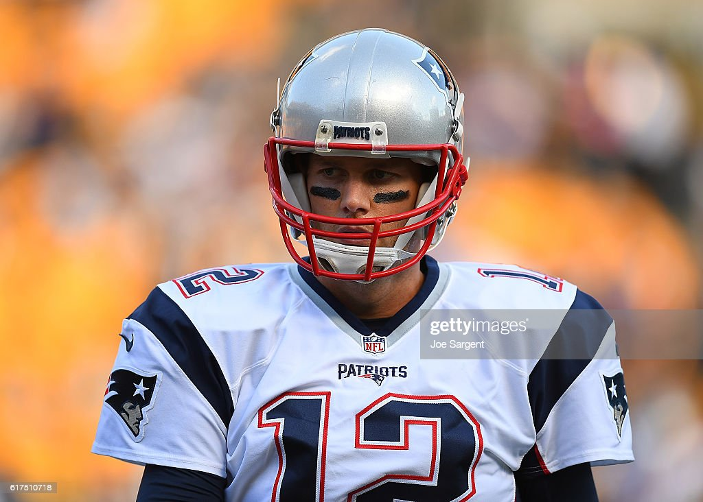 Tom Brady #12 of the New England Patriots warms up prior to the game against the Pittsburgh Steelers at Heinz Field on October 23, 2016 in Pittsburgh, Pennsylvania.
