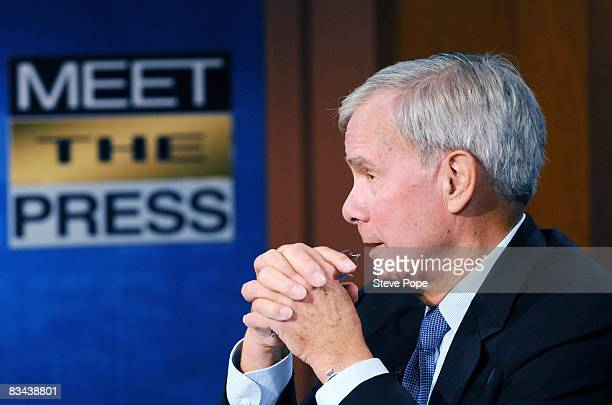 Tom Brokaw speaks with Republican presidential nominee Sen John McCain on the set of Meet The Press October 26 2008 in Waterloo Iowa The two...