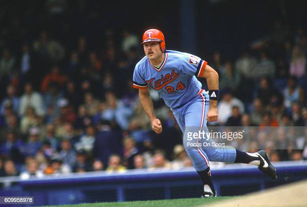 Tom Brunansky of the Minnesota Twins runs the bases against the Detroit Tigers during a Major League Baseball game circa 1987 at Tiger Stadium in...