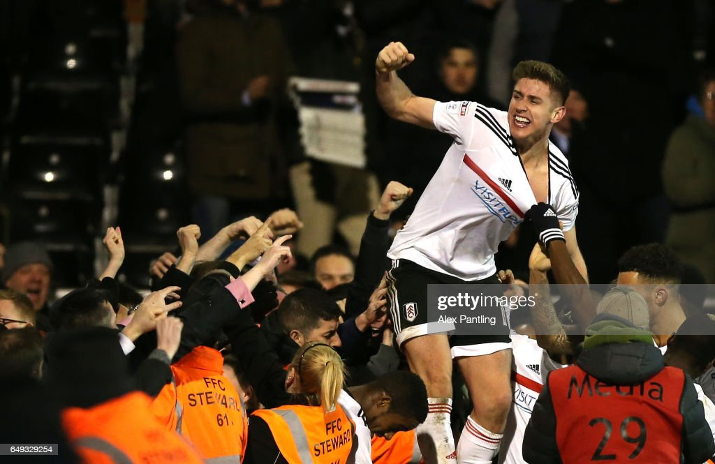 Tom Cairney of Fulham celebrates after scoring his sides first goal during the Sky Bet Championship match between Fulham and Leeds United at Craven Cottage on March 7, 2017 in London, England.