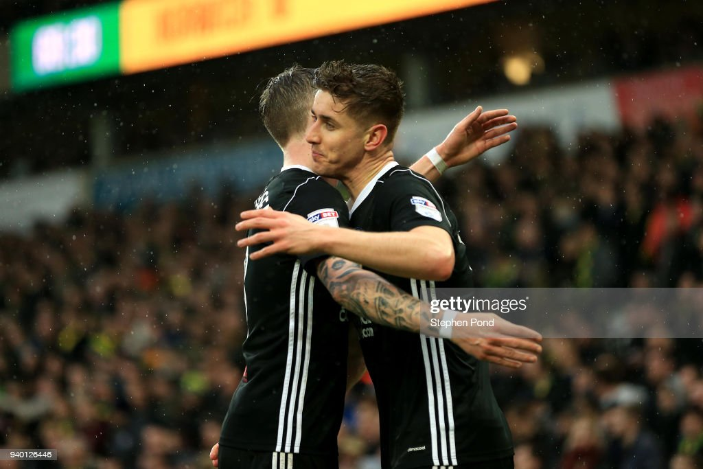 Tom Cairney of Fulham celebrates scoring his sides second goal during the Sky Bet Championship match between Norwich City and Fulham at Carrow Road on March 30, 2018 in Norwich, England.