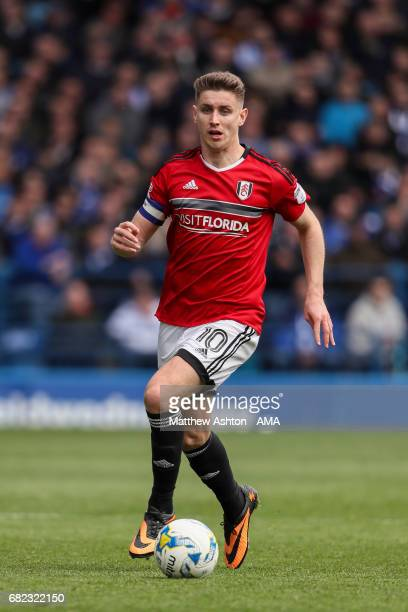 Tom Cairney of Fulham during the Sky Bet Championship match between Sheffield Wednesday and Fulham at Hillsborough on May 7 2017 in Sheffield England...