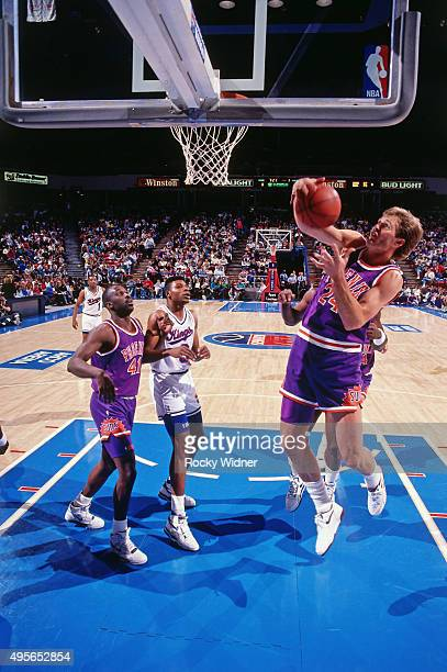 Tom Chambers Of The Phoenix Suns Shoots Against Sacramento Kings Circa 1991 At Arco Arena