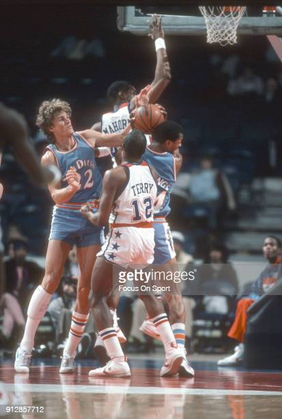 Tom Chambers of the San Diego Clippers in action against the Washington Bullets during an NBA basketball game circa 1982 at the Capital Centre in...
