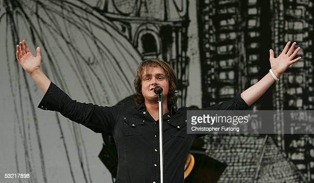 Tom Chaplin of Keane performs at T In The Park 2005 at Balado on July 9 2005 at Kinross Scotland