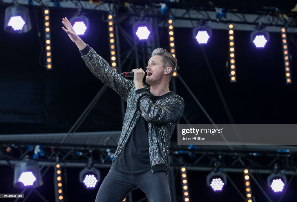 Tom Chaplin performs on day 3 of The Isle of Wight festival at Seaclose Park on June 10, 2017 in Newport, Isle of Wight.