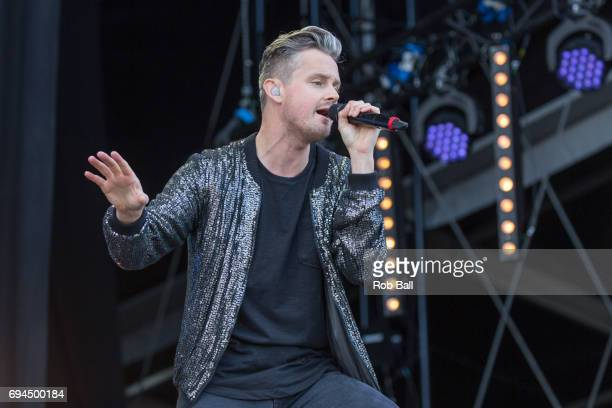 Tom Chaplin, the vocalist of Keane, performs a solo set on day 3 of The Isle of Wight festival at Seaclose Park on June 10, 2017 in Newport, Isle of...