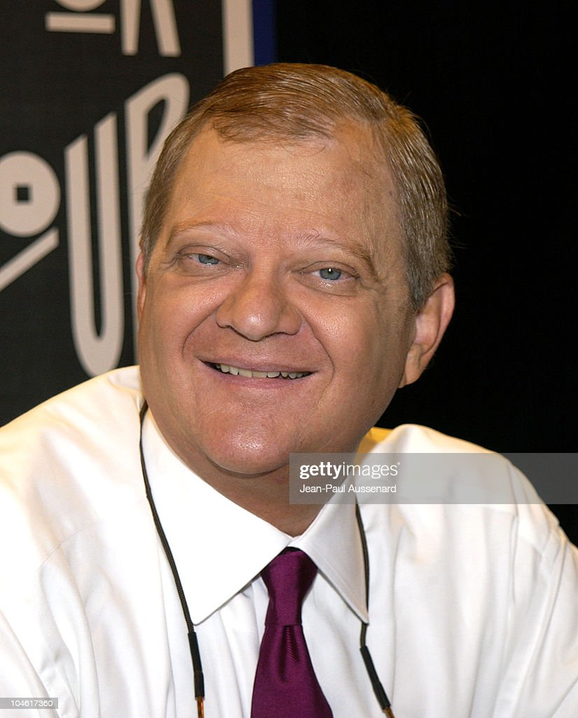 "Author Tom Clancy Signs His New Book, ""Red Rabbit"" : News Photo"