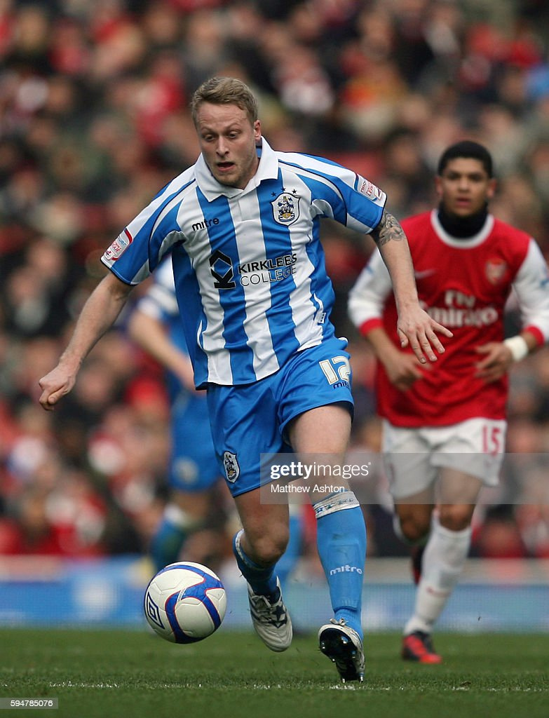 Soccer - FA Cup Round Four - Arsenal v Huddersfield Town : News Photo