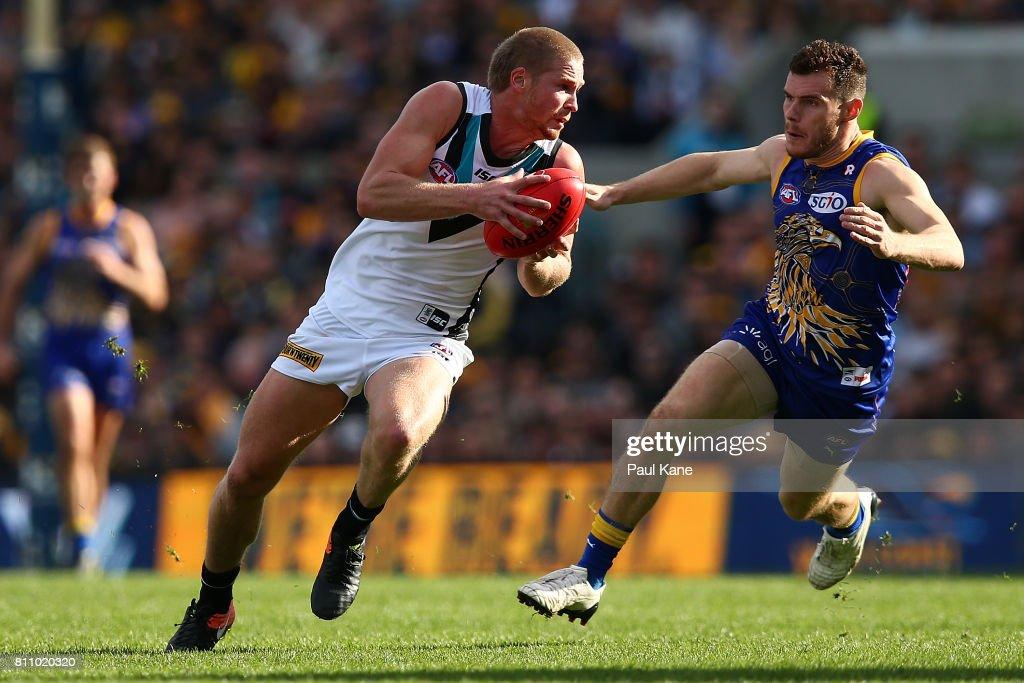 AFL Rd 16 - West Coast v Port Adelaide : News Photo
