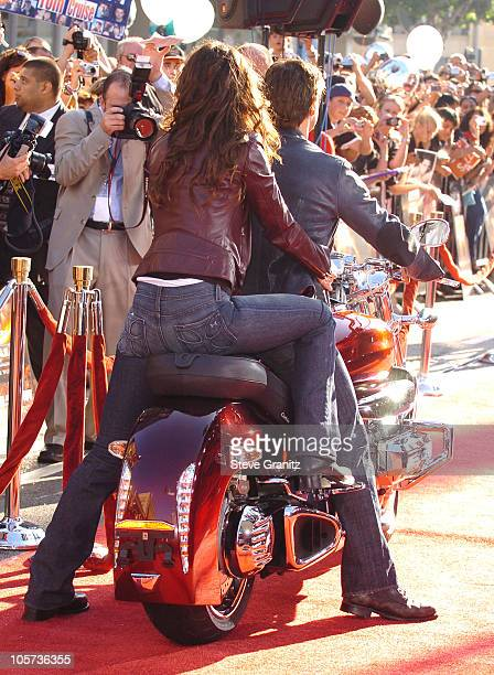 Tom Cruise and Katie Holmes during 'War of the Worlds' Los Angeles Fan Screening Arrivals in Los Angeles California United States