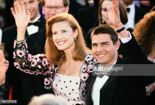Tom Cruise and Mimi Rogers arrive at 1989 Oscars March 29 1989 at the Dorothy Chandler PavilionLos Angeles California