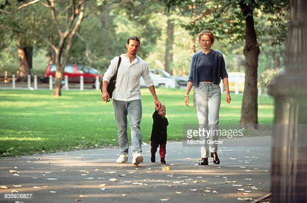 Tom Cruise and Nicole Kidman take a walk through Central Park with their daughter Isabella