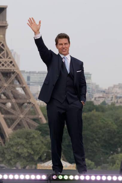 Resultado de imagem para tom cruise mission impossible suit paris 2018