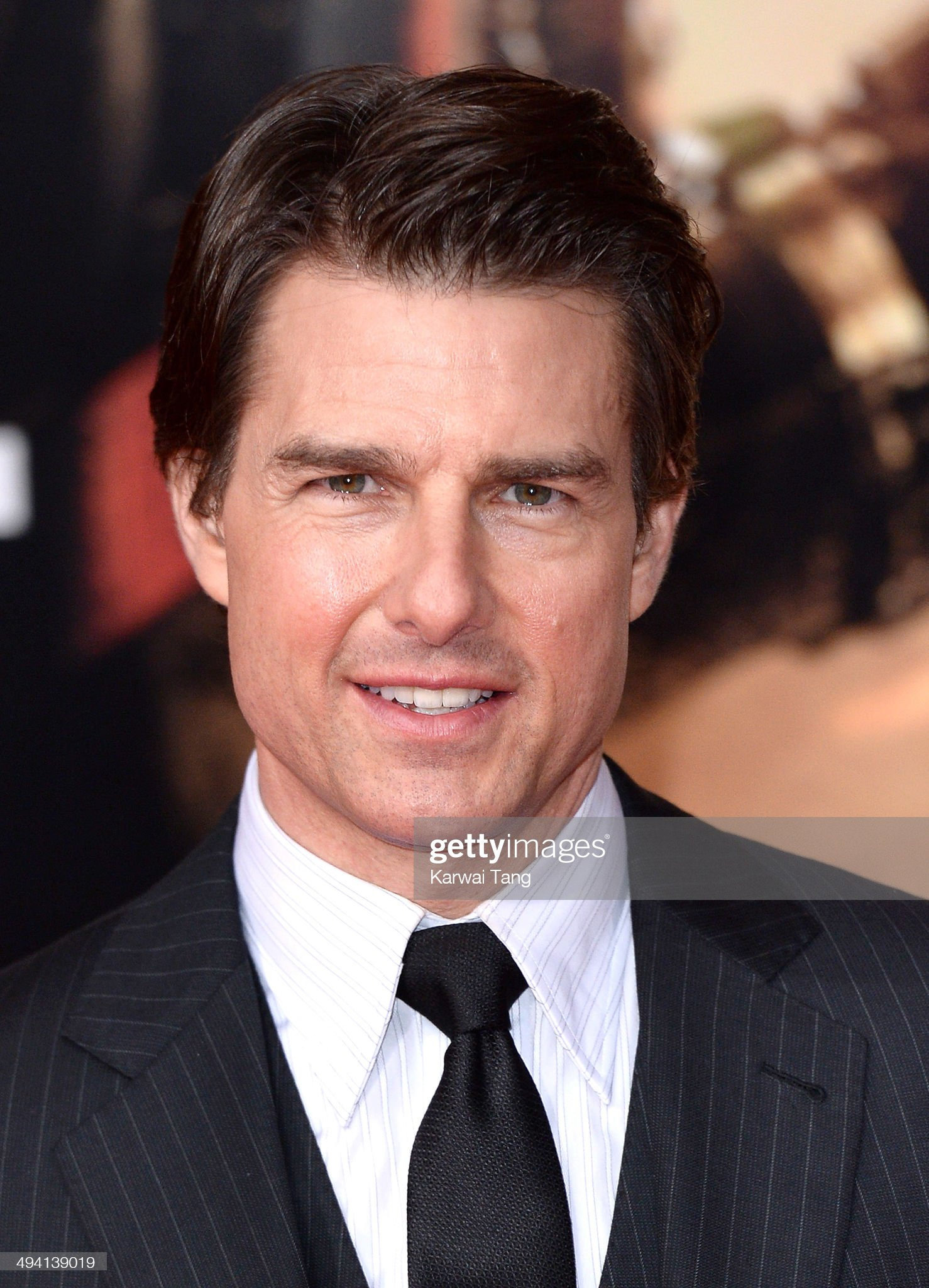 Tom Cruise (Galería de fotos) Tom-cruise-attends-the-premiere-of-edge-of-tomorrow-held-at-the-bfi-picture-id494139019?s=2048x2048