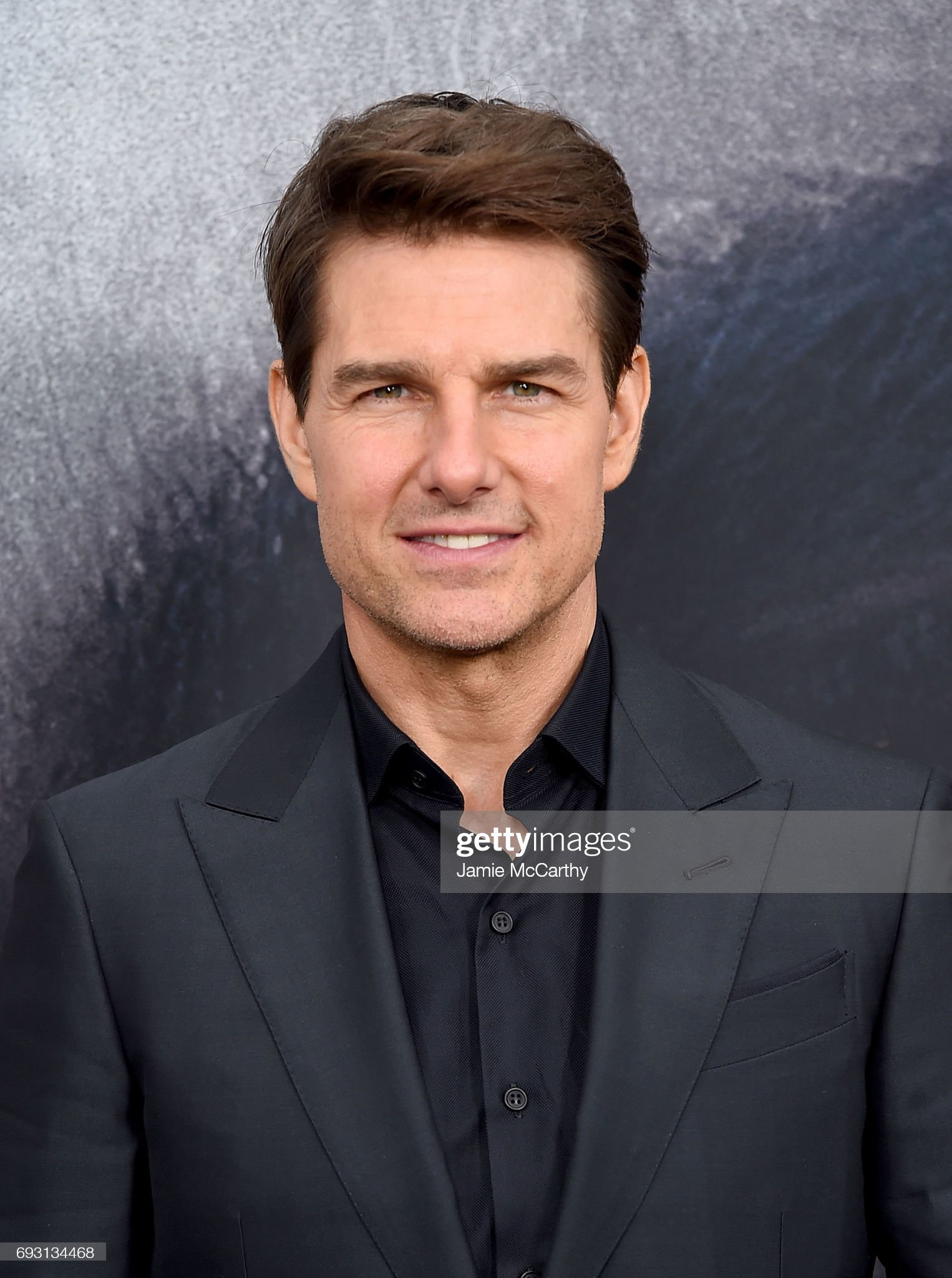 Tom Cruise (Galería de fotos) Tom-cruise-attends-the-the-mummy-new-york-fan-eventat-amc-loews-on-picture-id693134468?s=2048x2048