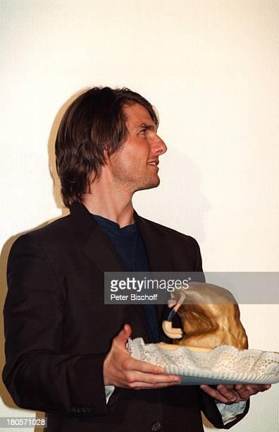 Tom Cruise DeutschlandPremiere 'MissionImposible 2' Köln Geburtstagsgeschenk'Cliffhanger' Bühne