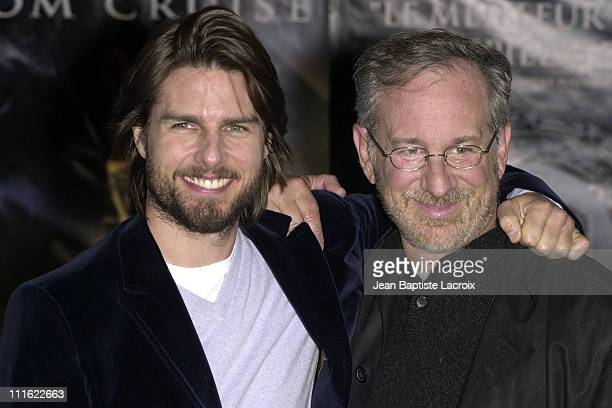 Tom Cruise director Steven Spielberg during 'Minority Report' Photocall in Paris at Espace Pierre Cardin in Paris France