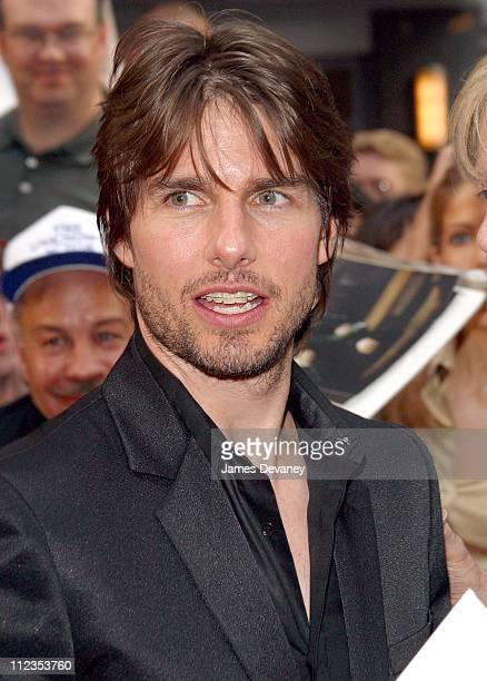Tom Cruise during 'Minority Report' New York City Premiere at Ziegfeld Theater in New York City New York United States