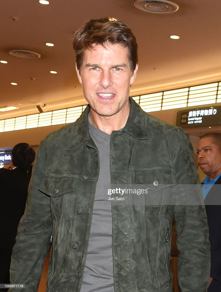 Tom Cruise Arrives In Tokyo