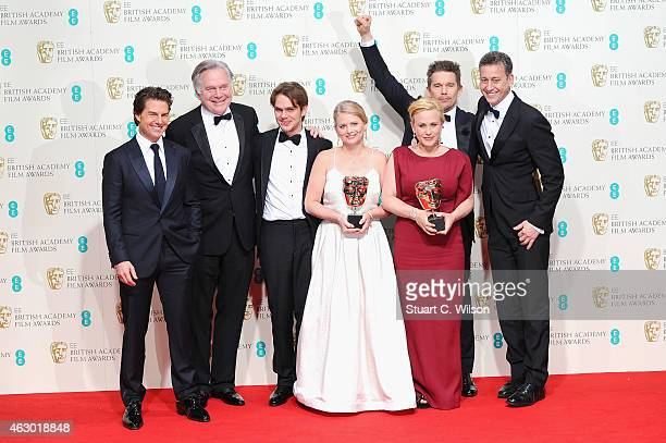 Tom Cruise Jonathan Sehring Cathleen Sutherland Ellar Coltrane Ethan Hawke Patricia Arquette and John Sloss celebrate Best Film 'Boyhood' in the...
