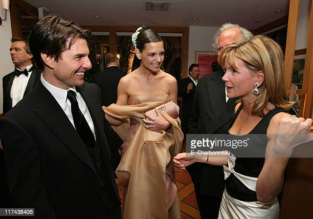 Tom Cruise Katie Holmes and Anna Carter during 2007 Vanity Fair Oscar Party Hosted by Graydon Carter Inside at Mortons in West Hollywood California...