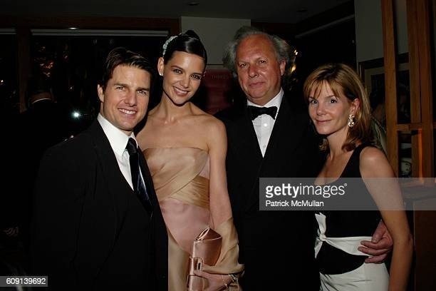 Tom Cruise Katie Holmes Graydon Carter and Anna Scott Carter attend VANITY FAIR Oscar Party at Morton's on February 25 2007 in Los Angeles CA