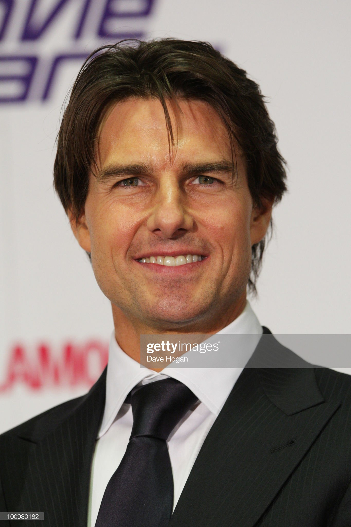 Tom Cruise (Galería de fotos) Tom-cruise-poses-in-the-winners-room-at-the-national-movie-awards-picture-id100980182?s=2048x2048