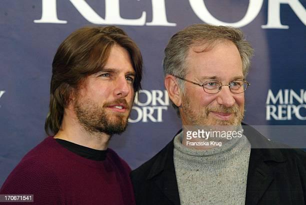 Tom Cruise Steven Spielberg Geben Pk Zu Minority Report Am 260902 In Berlin