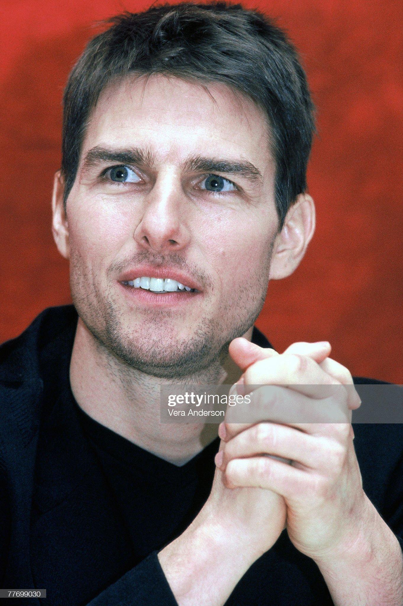 Tom Cruise (Galería de fotos) Tom-cruise-tom-cruise-penelope-cruz-press-conference-for-vanilla-sky-picture-id77699030?s=2048x2048