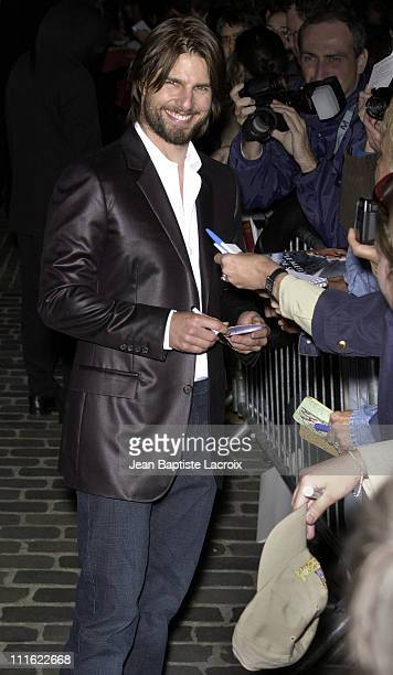 Tom Cruise with his fans during 'Minority Report' Premiere Paris at UGC Bercy in Paris France