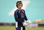 london england tom curran england looks
